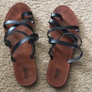 Mossimo black sandals. Excellent condition.
